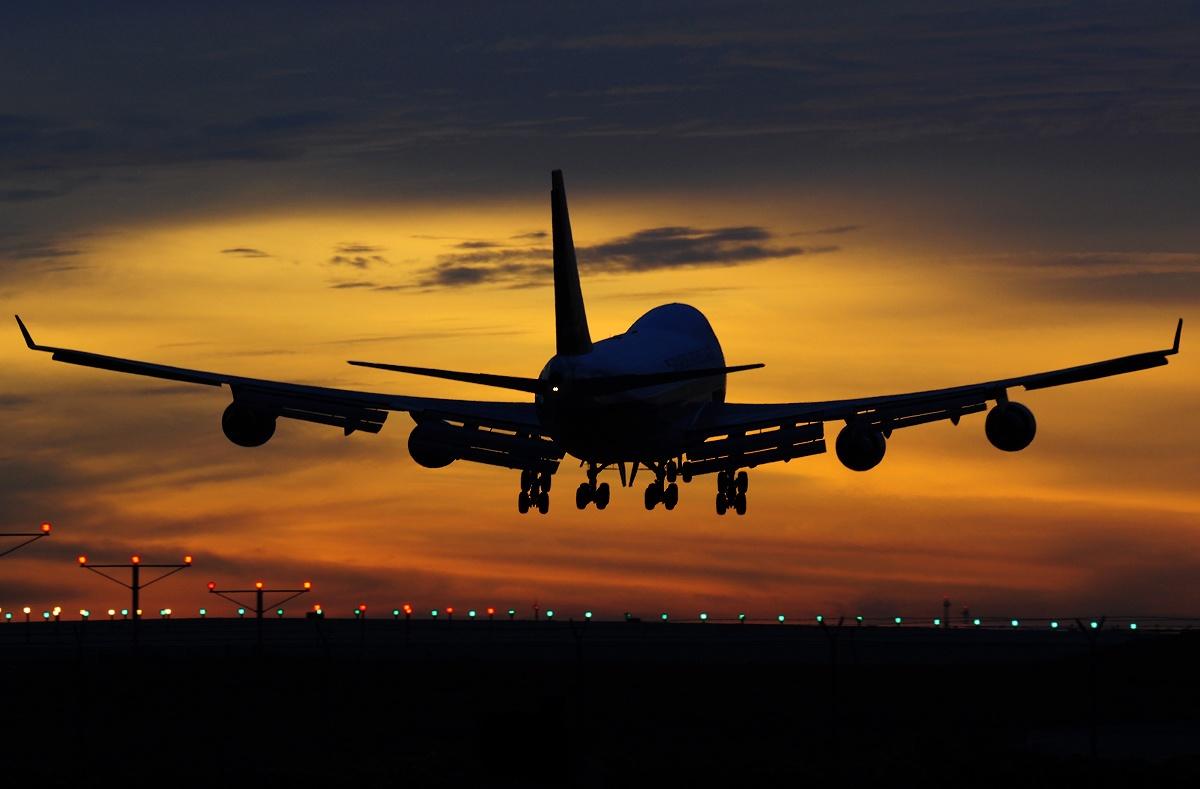صورة رؤية الطائرة في المنام لابن سيرين , تفسير حلم الطائرة لابن سيرين 3798 1
