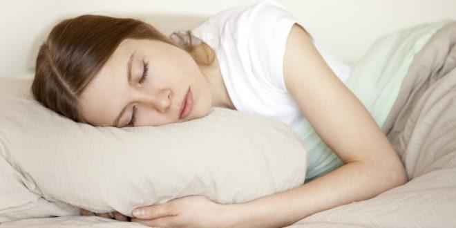 صور تفسير حلم النوم على السرير مع رجل اعرفه , رؤية منام لرجل ينام علي السرير معي وانا اعرفه