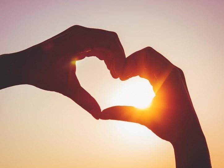 صورة صور معبرة على الحب , الحب يظل بداخلك