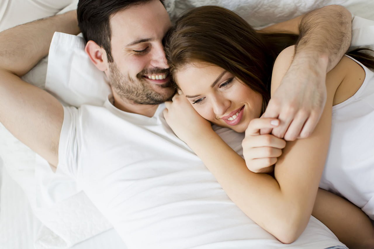 صورة سر السعادة الزوجية , كيف اجعل زوجي سعيد