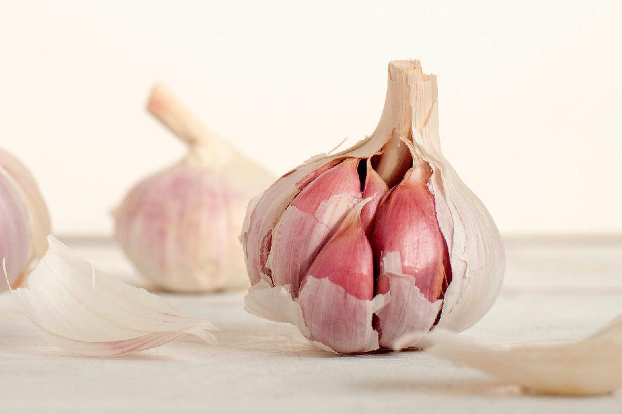 صورة فوائد البصل والثوم للشعر , تعرف خلطة البصل لشعري 313 2