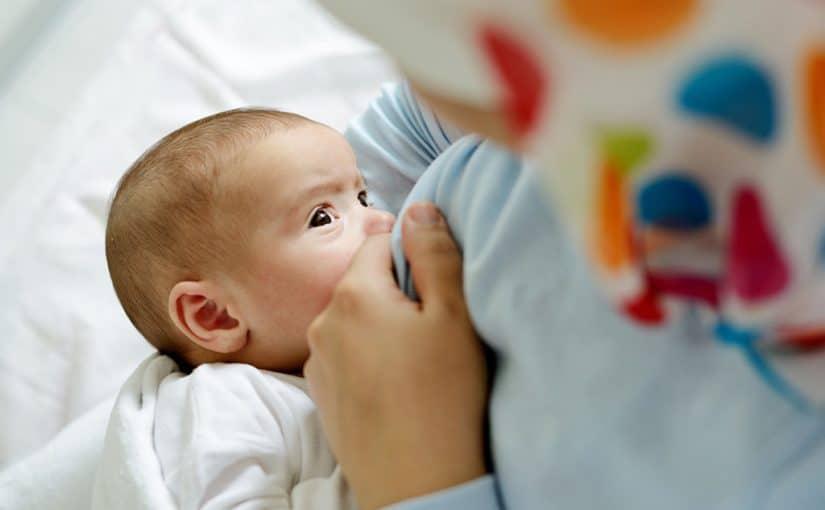 صورة ارضاع طفل في المنام , معني الرضاعه في المنام