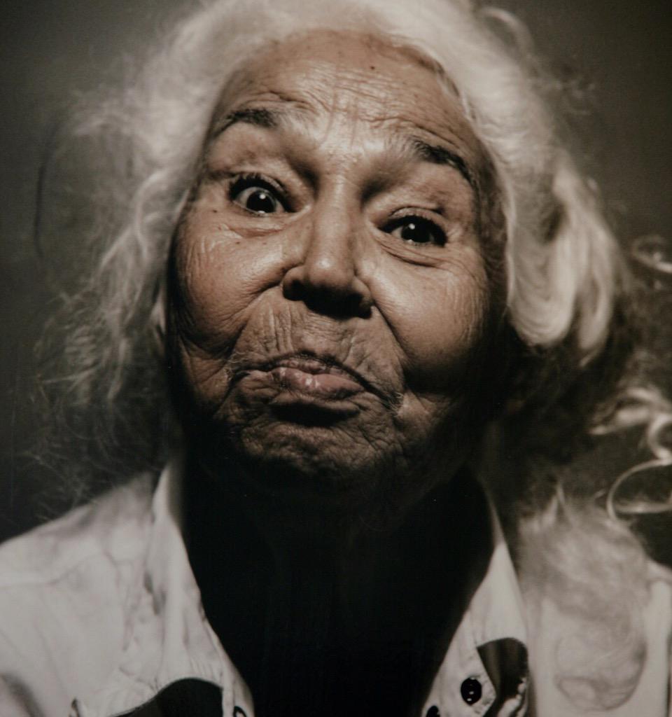 صورة معنى كلمة شمطاء , عجوز شمطاء ما المقصود بها