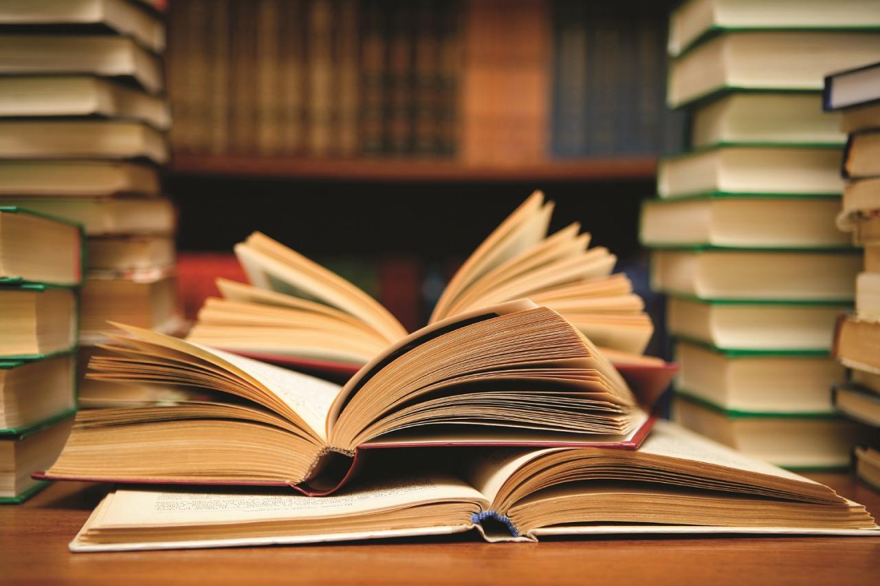 صورة معنى كلمة يقدر , اقرا يقدر في كل الكتب ولا اعرف معناها