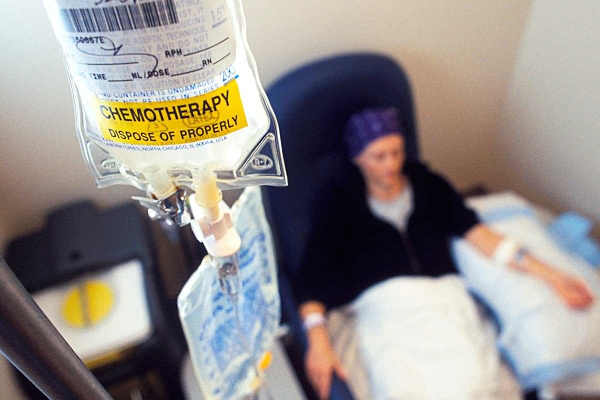 صورة علاج مرض السرطان , ما هي انواع علاج السرطان