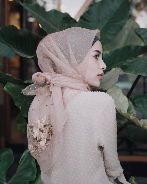 صورة لفات طرح سواريه بسيطة , تألقي بحجابك في مناسباتك المميزة 3314 18