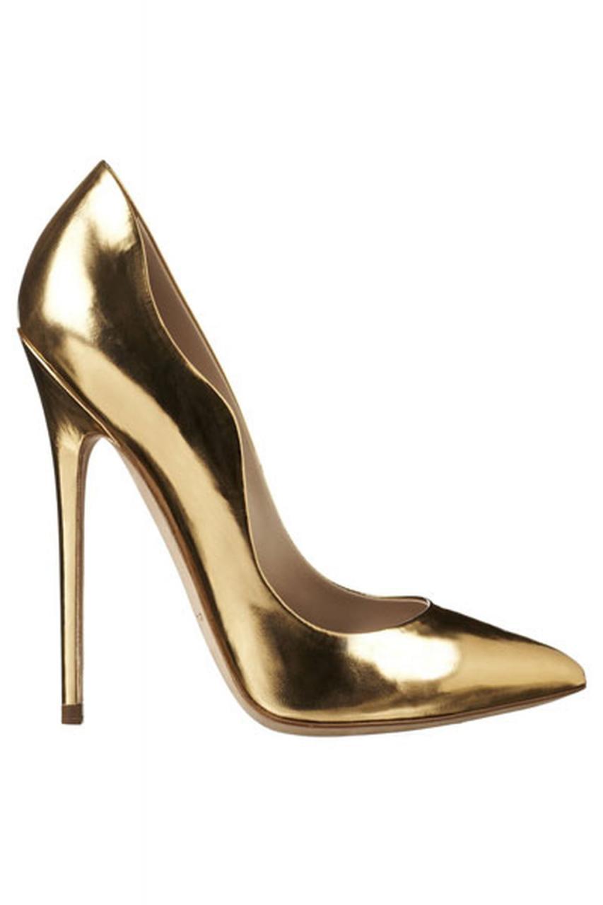 صورة تفسير حلم حذاء ذهبي كعب 2692 2